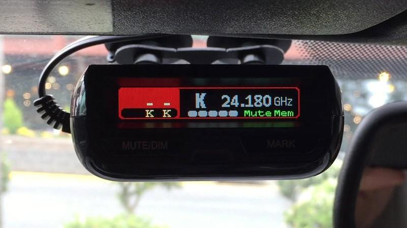 Uniden R3 detector installed
